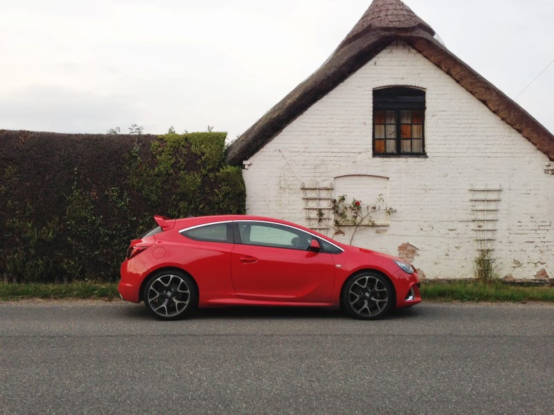 2013 Vauxhall Astra VXR review