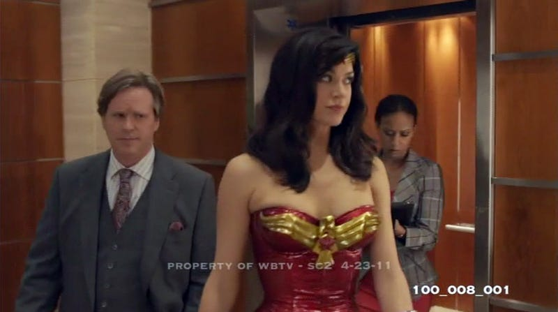 NBC's Wonder Woman pilot pics show off the superhero's secret jet!