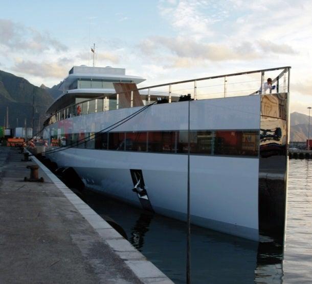 Primera escala del yate de Steve Jobs en Tenerife