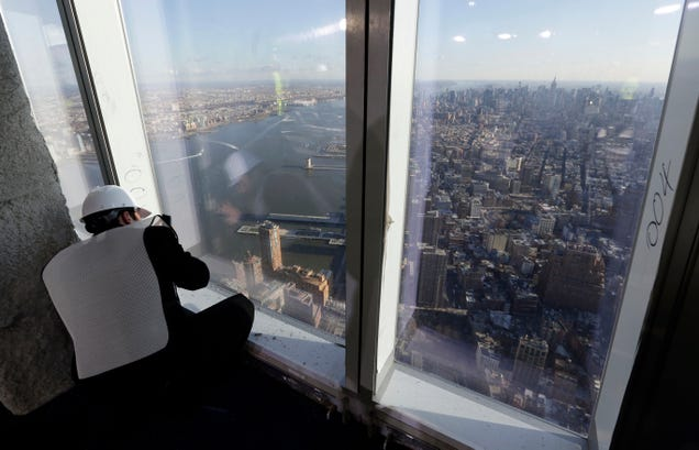 What You Can See From the 7 Tallest Buildings On Earth
