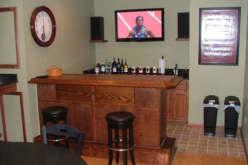 Video Game Bar Tackles Two Life-Hindering Addictions at Once