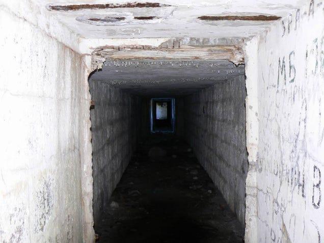 El distópico mundo de las bases de submarinos abandonadas 805315691247493805