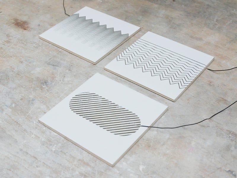 Control This Beautiful Ceramic Radio By Touching Its Palladium Surface