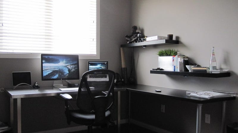 Gray, Black, and White: A Monochrome Workspace
