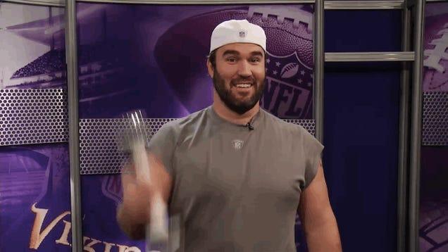 Vikings Center John Sullivan Playing With A Shake Weight