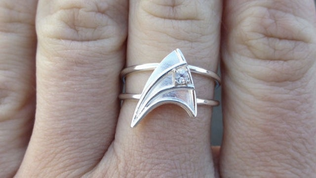 "Star Trek engagement ring guarantees a lifetime of ""Engage"" jokes"