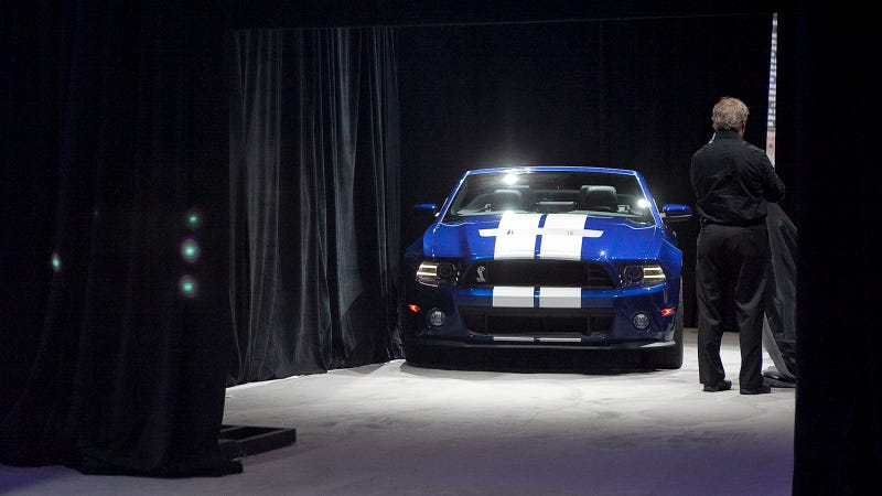 2013 Shelby GT500 Convertible Peeks Snout Out, Sees Shadow