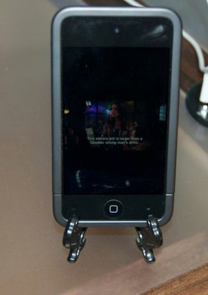 Turn a $1 Plate Stand into a Universal Smartphone Stand