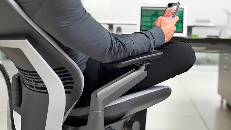 Steelcase Gesture: A Smartphone-Friendly Office Chair