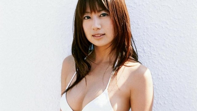 Is This Smoking Hot Japanese Model to Blame for the Boeing Dreamliner's Overheating Battery Problem? Yes