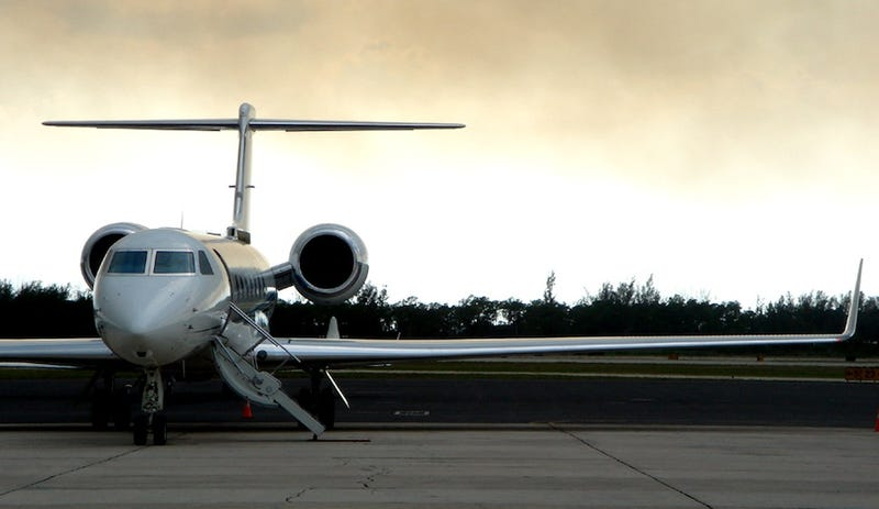 Bounty Placed on Steve Jobs Private Jet Pics