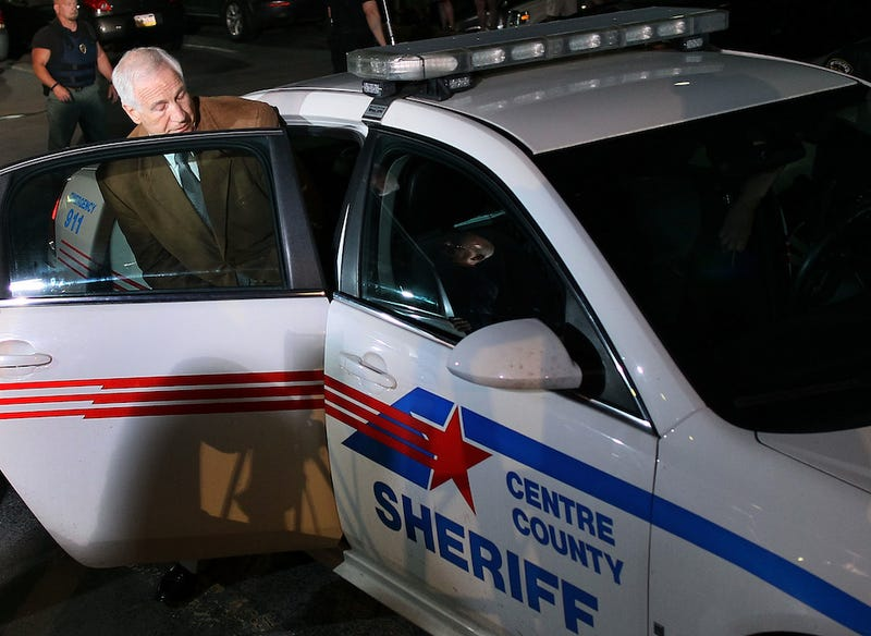 Jerry Sandusky Arrives At Prison