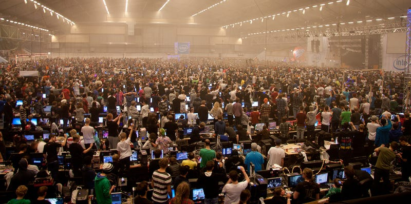 The Biggest LAN Party In the World Looked Amazing