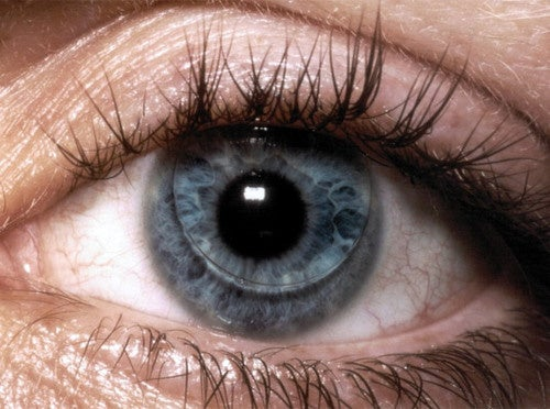 Color-Changing Contacts Monitor Your Glucose Levels