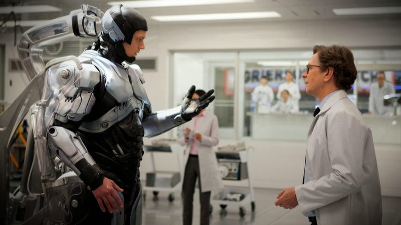 I Wouldn't Buy This For A Dollar. RoboCop, Reviewed.