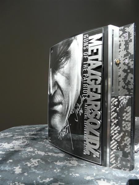 Custom Metal Gear Solid 4 PS3 Is Full Of Awesome Substance
