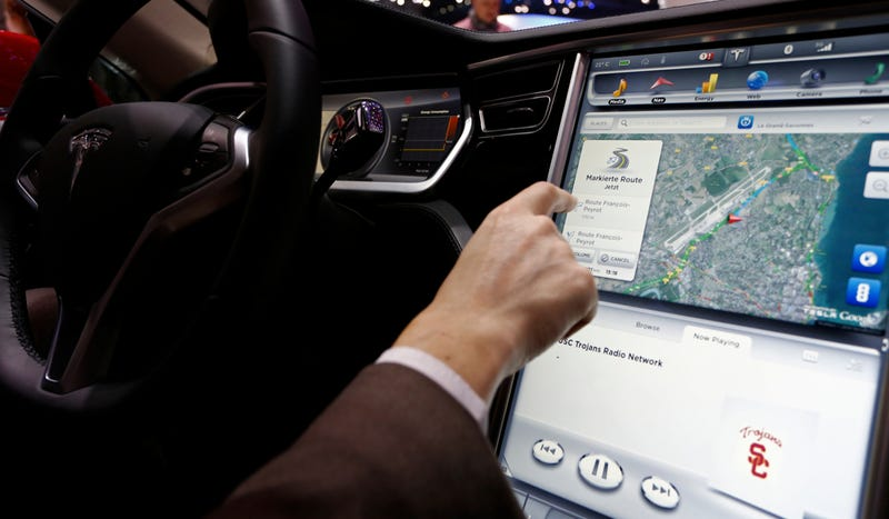Tesla Model S Owners Apparently Like Reading Drudge Report In The Car