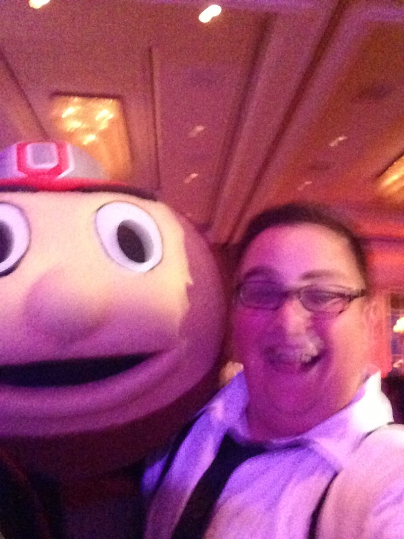 Brutus The Buckeye Showed Up At A Wedding In Columbus