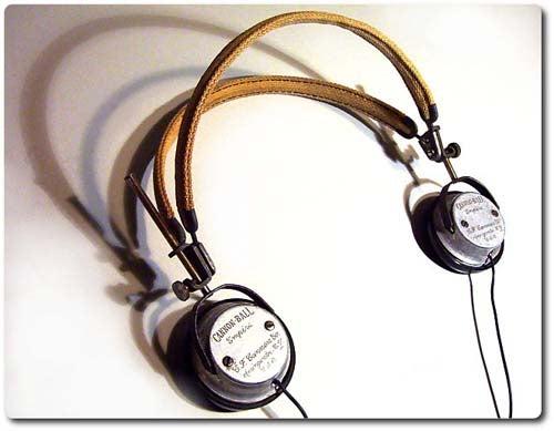Steampunk Artist Mods Vintage Headphones into Gadget-Compatible Cans