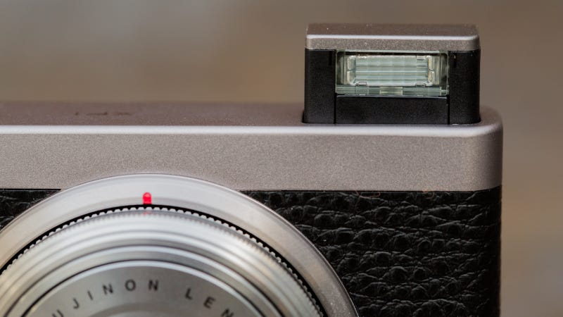 Fujifilm XF1 Review: Clever Design That Will Drive You Crazy