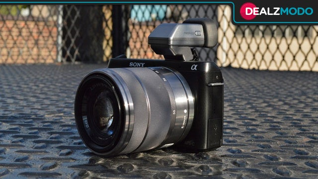 A Slick Sony Mirrorless Camera Is Your Deal of the Day