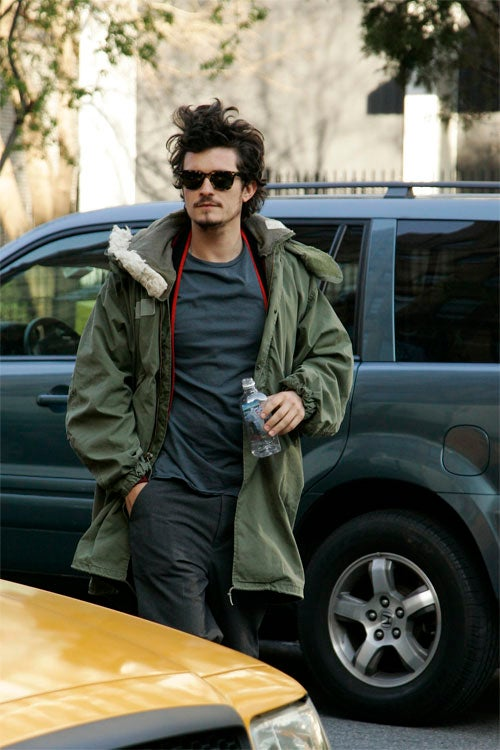 Orlando Bloom Ambles Downwind