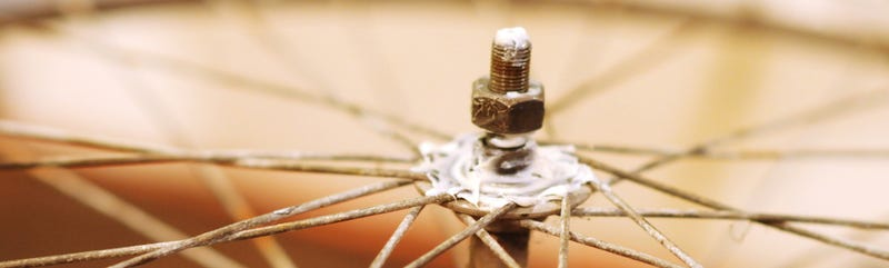 Adjust the Hubs on Your Beater Bike—the Lazy Hacker Way