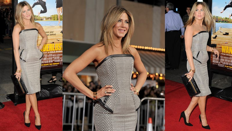Let's All Scrutinize Jennifer Aniston's Stomach and Jump to Conclusions