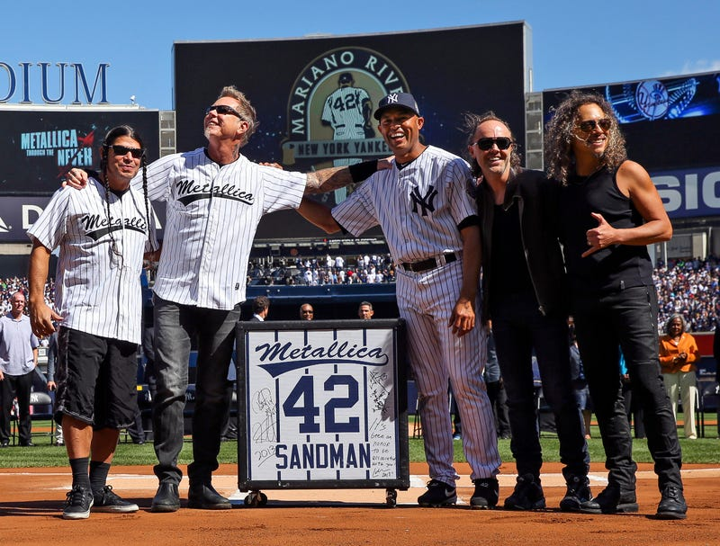"Metallica Performs ""Enter Sandman"" At Yankee Stadium For Mo Rivera"