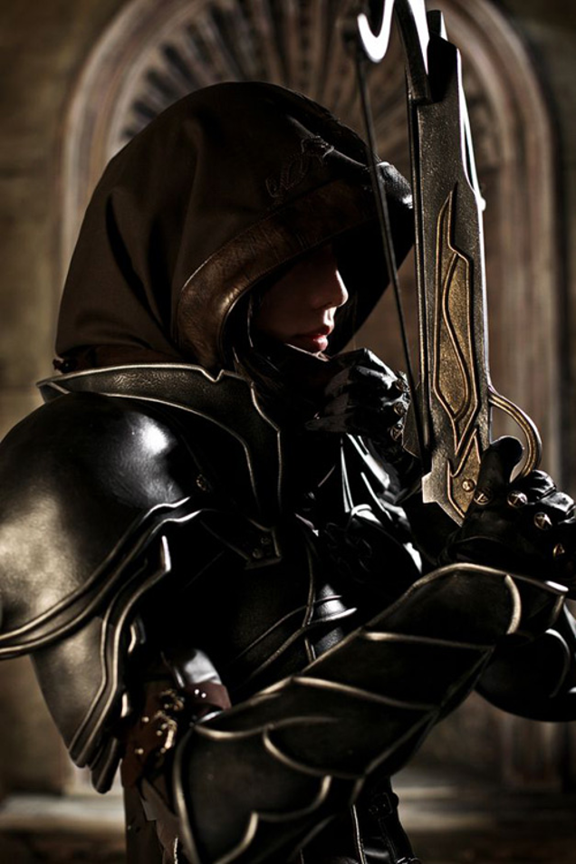 Wow, This Diablo III Hunter Cosplay Is First-Class