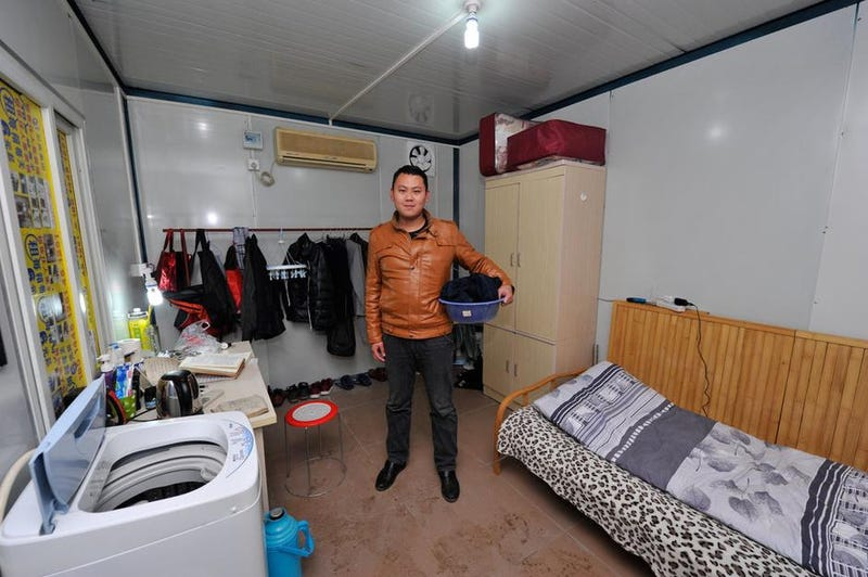 "China's ""Cabinet Tribe"" Lives in Shipping Containers"