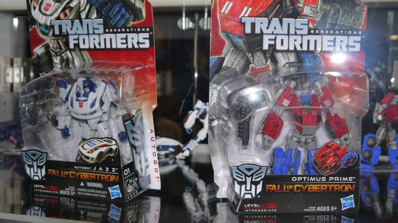 Don't Like Grimlock? Here are All the Transformers Hasbro Brought to San Diego