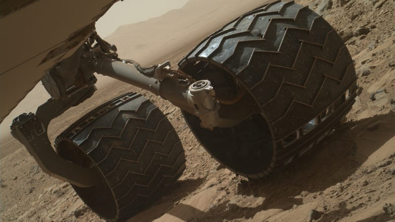This Is What Happens When You Drive Through Three Miles Of Mars