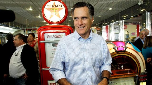 Mitt Romney Struggles to Find Non-$100 Bill in Wallet