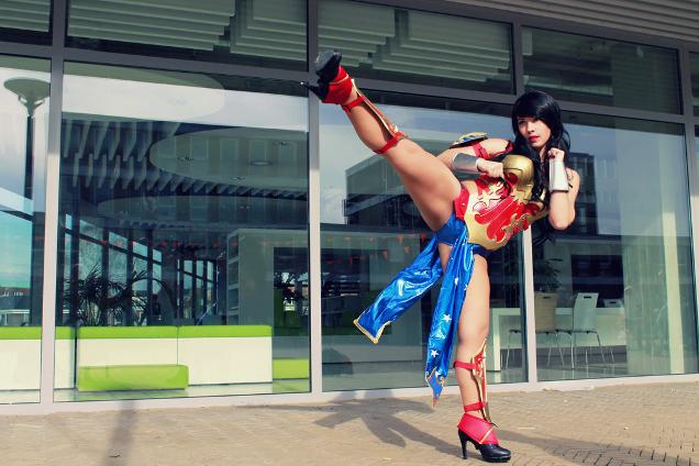 Oh My Goddess! Wonder Woman Cosplay
