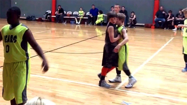 Youth Basketball Player Pulls Off The Greatest Flop In History