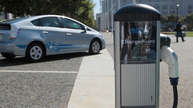 That Electric Car Charging Business Thing Spreads to Massachusetts