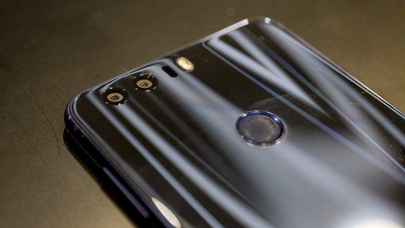 Huawei's Honor 8 Is the Latest Cheap Super Phone