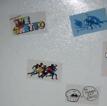 DIY refrigerator photo magnets