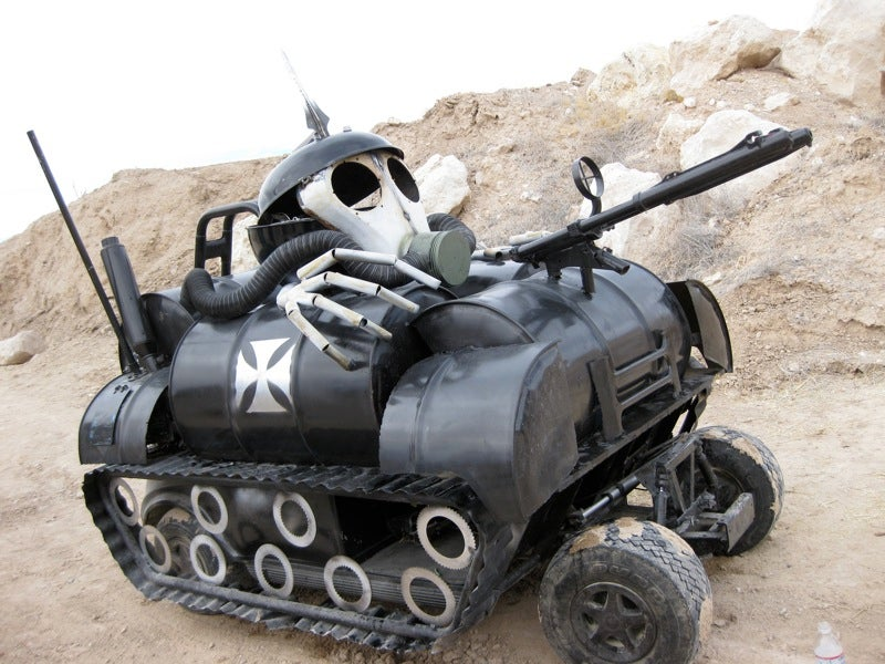 Weaponizers: Remote-Controlled Armored Cars Fight Each Other To the Death