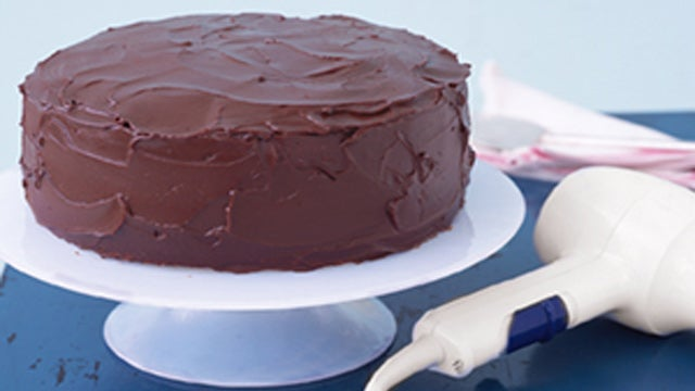 Use a Hair Dryer to Give Cakes a Glossy Finish