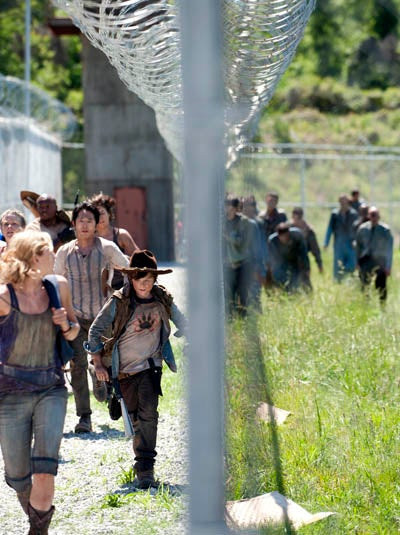 The Walking Dead - 3x01 Promo Photos