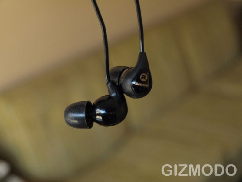Shure SE115 In-Ear Headphones Review: The New Top Buds