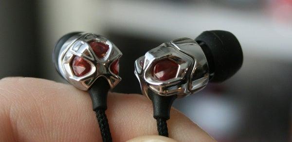 V-Moda Vibe II Headset Lightning Review (A Sequel That Beats the Original)