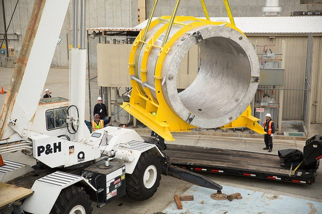Giant Magnet Goes On Cross-Country Trip To Find Self, Study the Universe
