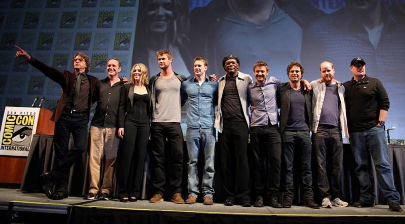 Full Avengers cast assembles on stage at Comic-Con