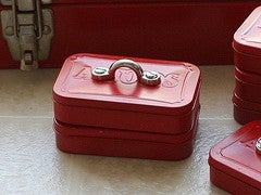 Turn an Altoid Tin into a Mini Toolbox
