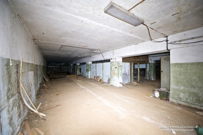 Living in this nuclear shelter for 1,000 people looks like a nightmare