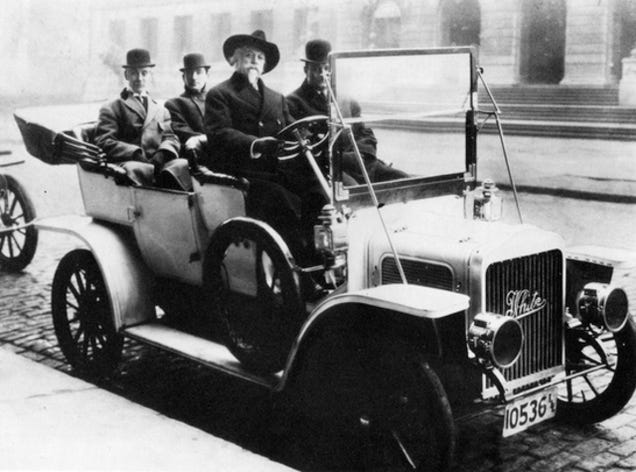 About 40% of American-made cars in 1900 were steam-powered