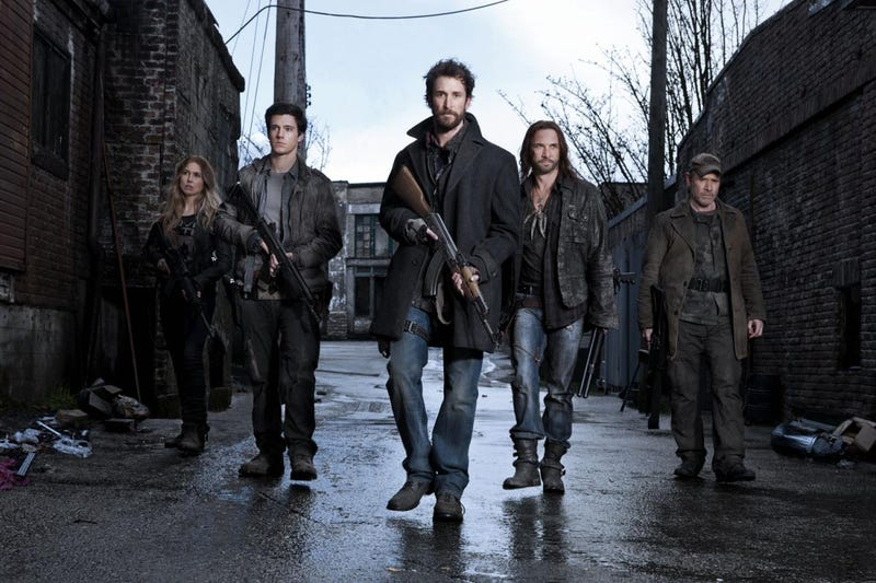 What's happening with Falling Skies' alien-fighters in season two?